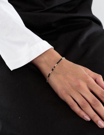 Asymmetric Pearl Bracelet Blk