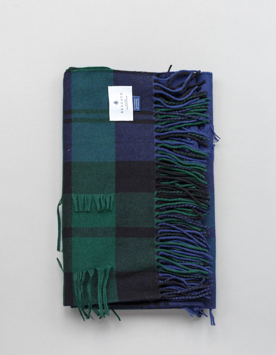 Begg & Co Vale Wool/Cash Plaid Stole