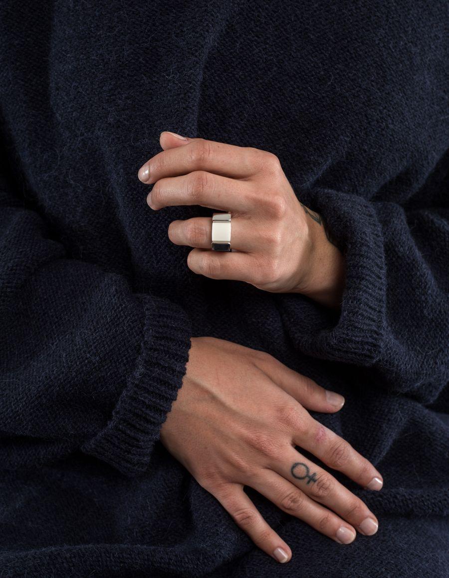 Susan Szatmáry Doré Ring Seagrass Corian