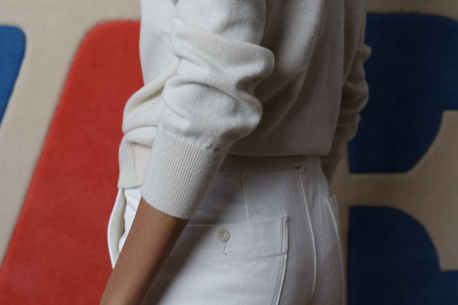V Back Cashmere Pullover