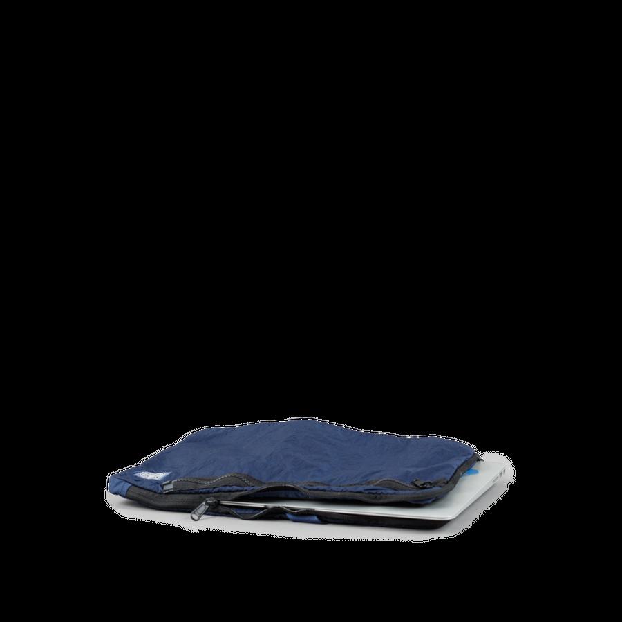 Compact Nylon Sleeve