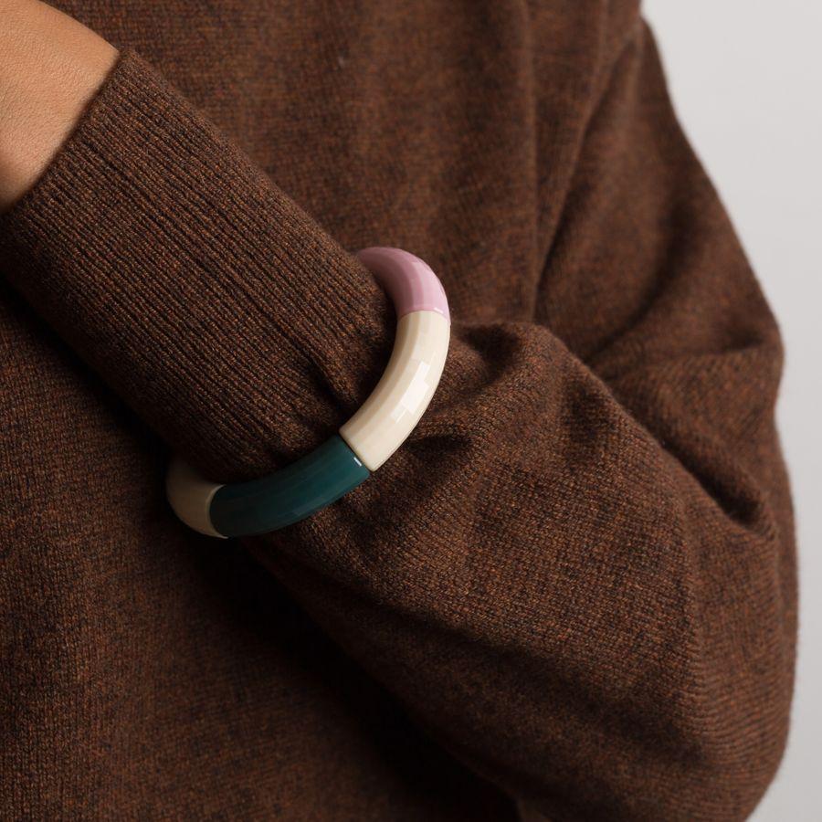 Kisser Bead Bracelet