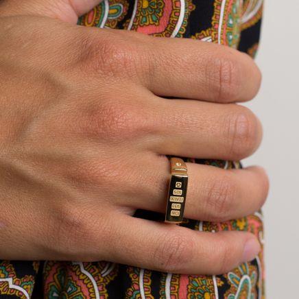 Open Signet Ring w. Topaz