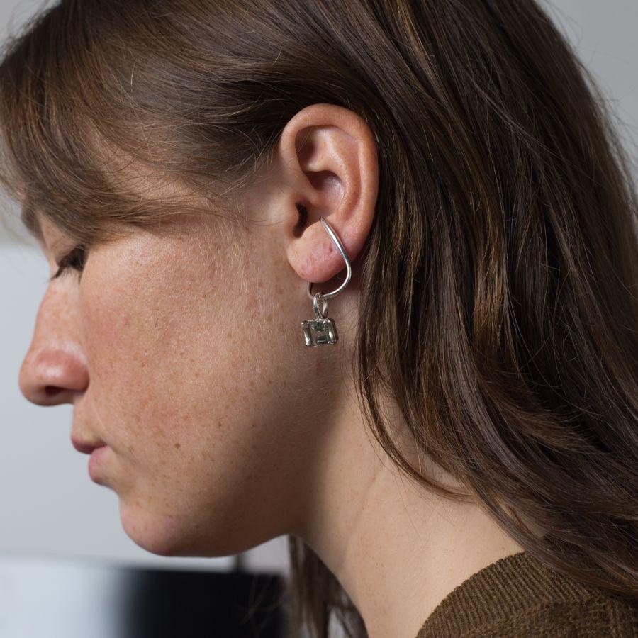 Gem Hang Ear Cuff