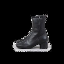 Flat Apartment                                     Flat Toe Boots - Black