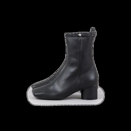 Flat Toe Boots