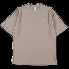 NikeLab Essentials                            NRG Solo Swoosh T-Shirt - Malt