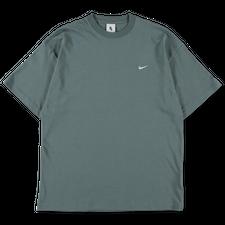 NikeLab Essentials                            NRG Solo Swoosh T-Shirt - Hasta