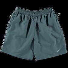 NikeLab Essentials                            NRG Solo Swoosh Shorts - Hasta