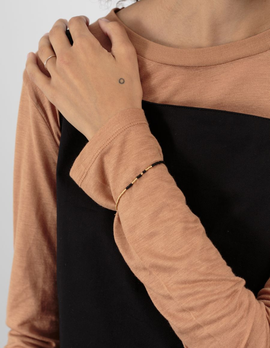 Anni Lu Asymmetric Pearl Bracelet